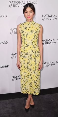 Gemma Chan brightened things up in a yellow floral print dress by Erdem ($5,065; neimanmarcus.com). Best Celebrity Dresses, Celebrity Style, Nice Dresses, Dresses For Work, Awesome Dresses, Gemma Chan, Gemma Styles, Chic Outfits, Fashion Outfits