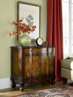 Stunning Accent Piece From Hammary Furniture.