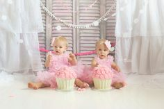 Twin Cake Smash, 1 year photos - Andrea Larson Photography - Madison WI