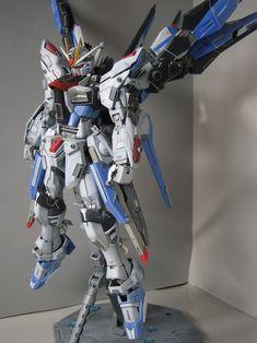 MG Freedom Gundam - Customized Build Barbatos Lupus Rex, Gundam Toys, Sf Movies, Custom Gundam, Gunpla Custom, Gundam Wallpapers, Gundam Mobile Suit, Unicorn Gundam
