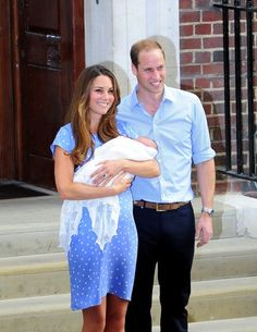 Kate Middleton - The Royal Baby Leaves the Hospital