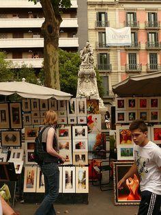 BARCELONA de catalaanse hoofdstad wordt elk jaar interessanter  Paints @ Las Ramblas, Barcelona