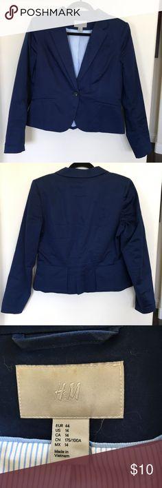 H & M  Blazer.  Women's size (M). H & M  Blazer.  Women's size (M). Lightweight cotton. Great condition. H & M Jackets & Coats Blazers