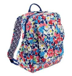 Amazon.com: Vera Bradley Bookbag Summer Cottage: Clothing