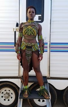 Nakia- Black Panther, played by Lupita Nyong'o - she's awesome Black Panthers, Marvel Dc, Disney Marvel, Marvel Comics, African Beauty, African Women, Black Girl Magic, Black Girls, Black Panther Costume