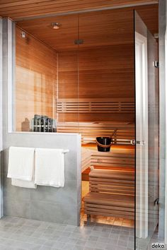 30 Cozy Small Bathroom In Home Saunas - Daily Home List Bathroom Spa, Modern Bathroom, Small Bathroom, Steam Bathroom, Sauna Steam Room, Sauna Room, Basement Sauna, Best Infrared Sauna, Sauna Shower