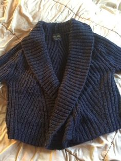 Size Large Shrug Black Sweater Cardigan