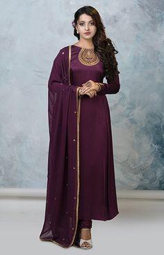 Churidar Designs, Kurta Designs Women, Indian Designer Outfits, Designer Dresses, Designer Wear, Stylish Dresses, Fashion Dresses, Dress Indian Style, Indian Wear