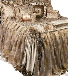 The Angelique Luxury Bedding collection is a combination of velvets, animal patterns and shimmery metallic organza. Best Bedding Sets, Luxury Bedding Sets, Comforter Sets, Bedroom Bed, Bedroom Decor, Bedrooms, Blush Bedroom, Vintage Bedding Set, Luxury Duvet Covers
