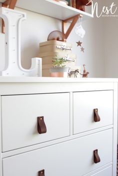 IKEA HEMNES Dresser with DIY Leather Handles - love this masculine look to an affordable piece in the nursery! Diy Leather Handle, Diy Leather Pulls, Hemnes, Baby Furniture, Furniture Decor, Upcycled Furniture, Furniture Projects, Ikea Shoe Cabinet, Ikea Dresser