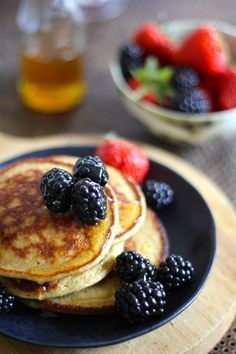 Sunne havrepannekaker  #pannekaker #havrepannekaker #oats #oatpancakes #frokost #breakfast #pancakes #healthy #sunn #hjemmelaget #homemade #easy #oppskrift #recipe Banana Oat Pancakes, Banana Oats, Food For Thought, Nom Nom, Breakfast Recipes, Food And Drink, Pizza, Lunch, Snacks