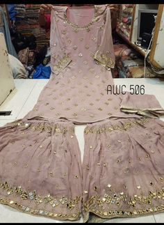 Pakistani Wedding Outfits, Pakistani Dresses, Indian Dresses, Indian Outfits, Bridal Mehndi Dresses, Eid Dresses, Fashion Dresses, Stylish Dresses For Girls, Simple Dresses