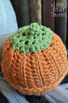 pumpkin or berry baby hat - crochet pattern | Little Birdie Secrets