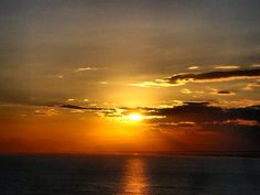 #goodnight #offshore #offshorelife #orangelife #ocean #sun #sunset #ig_great_pics #riglife #orange #colors #clouds #waters #ig_great_pics #ig_captures #igworldclub #ig_histogram #ig_worldclub #respect #plataforma #oitnb #orangecoverall #appreciate #namaste #view #reflex #macae by geogemlnb