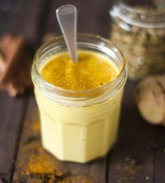 Golden Milk: la ricetta per combattere i dolori muscolari e i primi mal di gola - Ambiente Bio