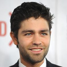 oh heeeey adrian grenier...entourage schmantourage, he had me at drive me crazy. and yes, i prefer his hair longer and curly.