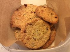 Honeycomb & Chocolate Chip Cookies – Perfecting Bakes