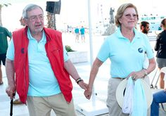 Over 50 married years Constantino and Ana María, who were married in 1964 and have five children, form a close marriage and are delighted with their children and their grandchildren.