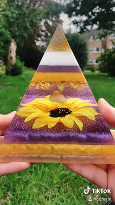 Epoxy Resin Art, Diy Resin Art, Diy Resin Crafts, Fun Diy Crafts, Arts And Crafts, Diy Resin Projects, Projects To Try, 5 Min Crafts, Resin Jewelry Making