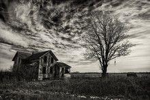 Foto: Creepy Old House