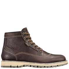 Shop Timberland's Britton Hill collection of men's waterproof leather boots to up your style game.
