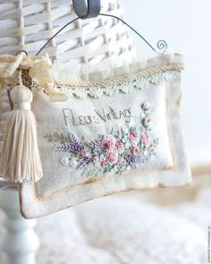 Beauty of old things and mystery of life. Cushion Embroidery, Floral Embroidery Patterns, Hand Embroidery Flowers, Silk Ribbon Embroidery, Diy Embroidery, Embroidery Stitches, Embroidery Designs, Embroidered Leaves, Shabby Chic Quilts