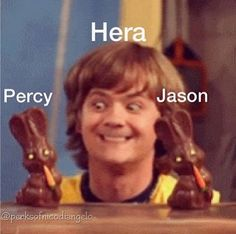 Do you guys remember this scene from Hannah Montana? My childhood....and it also has Percy Jackson so...MIND BLOWN