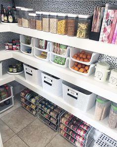 Kitchen Pantry Design, Kitchen Redo, Kitchen Remodel, Kitchen Organization Pantry, Home Organization, Organized Pantry, Storage Ideas For Pantry, Home Interior, Decor Interior Design