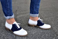 Saddle Shoes Outfit, Saddle Oxfords, Oxford Shoes Outfit, Women's Oxfords, Brogue Shoe, White Oxford Shoes, White Shoes, Vintage Shoes, Vintage Wear