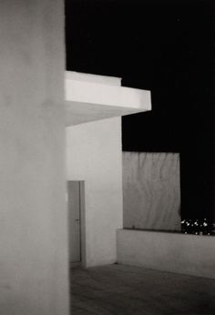 "Bernard Plossu     ""Villa Noailles, France, 2000""     Tirage argentique  24cm x 30cm William Eggleston, Camera Obscura, Concrete Structure, French Photographers, Travel Photography, White Photography, Photos, Pictures, Black And White"