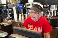 Nenek ini sudah 44 tahun bekerja di McDonald