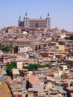 Ah, Toledo!  What a great 4 months of studying!  See the curved window building close to the middle of the photo?  That's where I lived!
