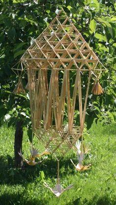 Straw Decorations, Straw Art, Straw Weaving, Handmade Ornaments, Outdoor Structures, Diy, Garden, Crafting, Bricolage