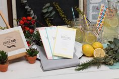 活版印刷独特のナチュラルな風合いがあたたかく、ガーデンやビーチなど にぎやかなパーティーにもおすすめ Wedding Lounge, Thankful, Table Decorations, Dinner Table Decorations