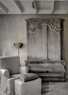 ♅ Dove Gray Home Decor ♅ Uitnodiging Seizoen & Stijl ON ROUTE love this piece of furniture