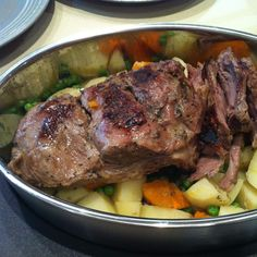 Recipe Butterflied Leg of Lamb with veges & gravy by kmcgibbon, learn to make this recipe easily in your kitchen machine and discover other Thermomix recipes in Main dishes - meat. Lamb Recipes, Meat Recipes, Cooking Recipes, Recipies, Curry Stew, Quirky Cooking, Dinners To Make, Evening Meals, Thermomix