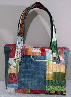 Remarkable photo - take a look at our guide for even more ideas! Denim Tote Bags, Tote Purse, Patchwork Bags, Quilted Bag, Denim Patchwork, Denim Ideas, Recycled Denim, Fabric Bags, Handmade Bags