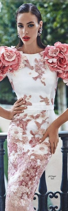 New Fashion Runway Gowns Style Ideas Haute Couture Style, Couture Mode, Couture Details, Couture Fashion, Runway Fashion, Floral Fashion, Love Fashion, High Fashion, Fashion Show