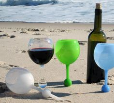 I love any gadget that willmake life easier while at the the beach or pool. So when I stumbled across these fun glasses, I had to share. The problemis pretty simple: When you go to the beach, there isn't an easy way to enjoy your adult beveragewithout the glass tipping