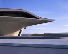 http://www.baunetz.de/meldungen/Meldungen-Hadids_Terminal_in_Salerno_eingeweiht_4737450.html