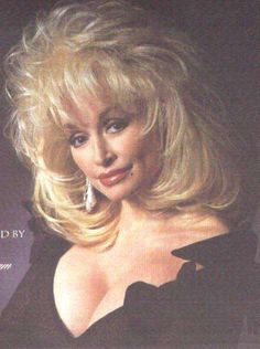 Résultat d'images pour Dolly Parton Hot Dolly Parton Costume, Dolly Parton Pictures, Dolly Parton Quotes, Women Of Rock, Woman Movie, Country Music Singers, Hello Dolly, Big Hair, Music Artists