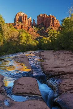 Slide Rock State Park, Oak Creek, Coconino National Forest, Sedona, Arizona. In the summer, it's a favorite play spot for families.