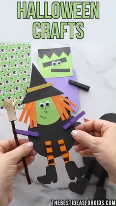 These clothespin Halloween crafts are so fun and easy to make! Great for preschool or kindergarten kids to make for Halloween! These clothespin Halloween crafts are so fun and easy to make! Great for preschool or kindergarten kids to make for Halloween! Theme Halloween, Halloween Arts And Crafts, Halloween Decorations For Kids, Halloween Crafts For Toddlers, Halloween Tags, Pretty Halloween, Halloween Recipe, Women Halloween, Halloween Makeup