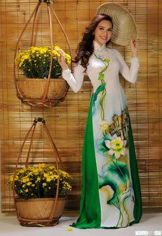 Áo dài họa tiết hoa sen