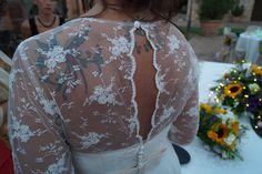Particolare del vestito #pizzo #lace #weddingdress by @marimaisonmarik