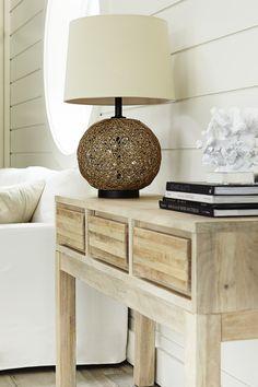 ATELIER Bouclair, Chalet moderne - Modern cottage. Découvrez la nouvelle collection de meubles de Bouclair Maison - Bouclair Home introduces its new furniture collection.