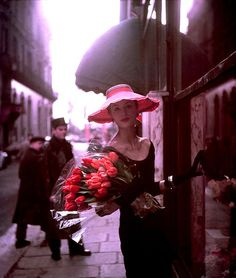 Suzy Parker, Paris 1953 - Copyright 2010 Bonni Benrubi Gallery, NY. (Georges Dambier photographer)