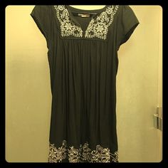 """One Clothing-Cute boho blouse/ mini dress Very sweet one size dark green boho style / embroideries blouse or mini dress.Tag is """"M"""" but can be a size 6. one clothing Tops Blouses"""