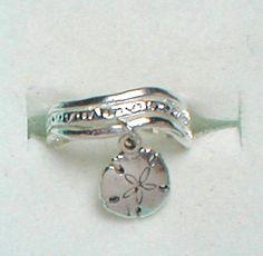 Sand dollar toe ring