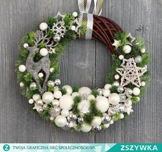 Found images for query modern Christmas decorations